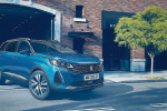 Peugeot 3008 e 5008, a breve si cambia