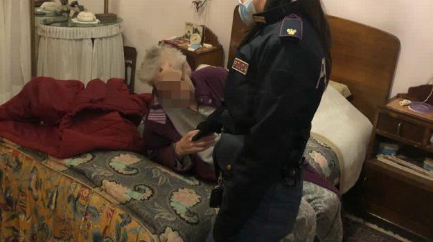 anziana, caduta in casa, crotone, soccorsa, squadra volante, Catanzaro, Cronaca