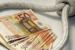 Prestava soldi con tassi fino al 900% durante il lockdown: ai domiciliari un usuraio del Palermitano