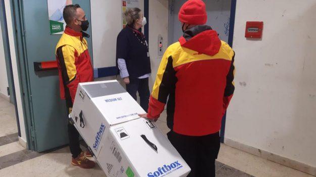 Vaccini a Messina: all'Irccs arrivate le prime dosi del siero Pfizer-BioNtech