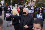 """Il giorno di Biden: """"E' ora di unire l'America"""""""