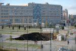 Napoli, enorme voragine all'Ospedale del mare, evacuato Covid center