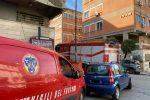 Esplosione all'Asp di Reggio per una bombola di azoto. E' panico tra i presenti