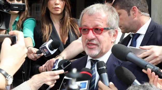 lombardia, Roberto MAroni, Sicilia, Politica