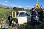 San Pietro Lametino, auto si ribalta e finisce fuori strada. Un ferito in ospedale