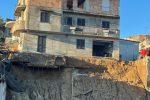 Paura a Rosarno, crollo di un muro. Evacuate numerose abitazioni, famiglie sgomberate