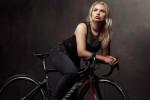 Bufera su Tara Gins, l'ex ciclista licenziata per delle foto su Playboy