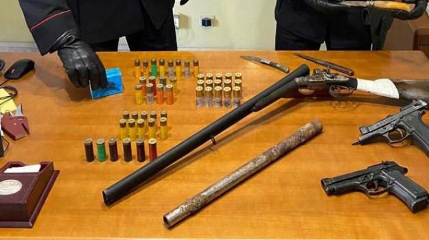 armi, arresti, campagna, caronia, casolare, messina, munizioni, Messina, Cronaca