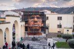 Maradona: nuovo grande murale di Jorit nel Napoletano - FOTO