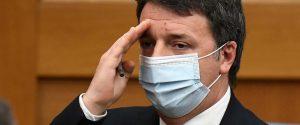 """Tutti gli """"strappi"""" di Matteo Renzi: da """"stai sereno"""" alla """"mossa del cavallo"""""""