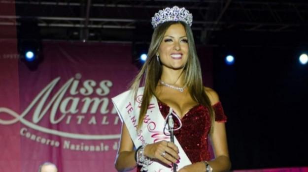 Miss mamma italiana Cosenza, Natasha Fato, Cosenza, Società