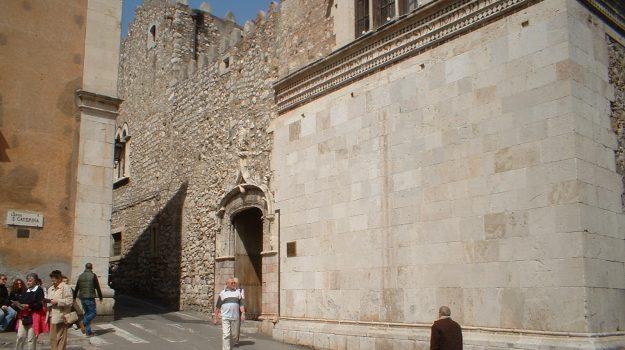Palazzo Corvaja, taormina, Messina, Economia