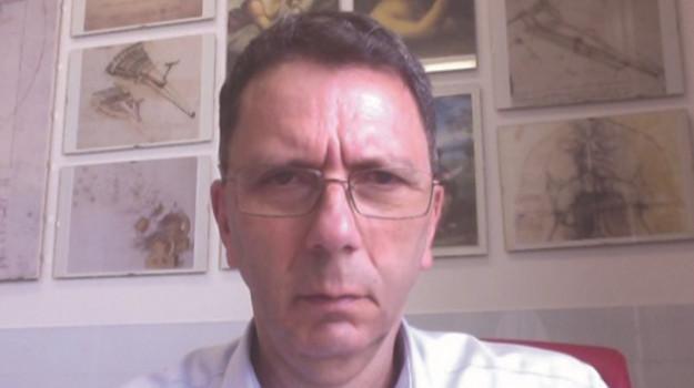 L'endocrinologo dell'Università di Catanzaro, Antonio Brunetti
