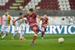 Reggina, surreale sconfitta col Lecce: Menez sbaglia un rigore
