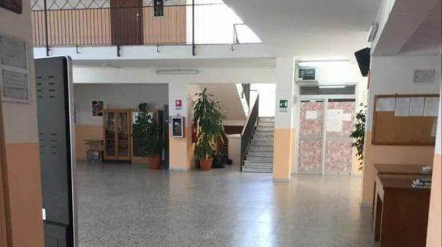 scuola, Cosenza, Cronaca