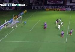 Brasile, dribbla tutti i difensori come fossero birilli Il gesto tecnico ricorda quello di grandi campioni, anche se è stato realizzato da un giovane ventenne - Dalla Rete