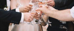 Festa di nozze nonostante il Covid, blitz dei carabinieri interrompe... il brindisi
