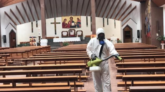 chiesa, cosenza, sanificazione, serra spiga, Cosenza, Cronaca