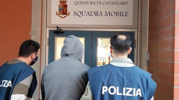 arresti, catanzaro, controlli, droga in casa, Catanzaro, Cronaca