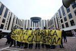 """Proteste per la visita di Boccia a Catanzaro, multe """"salate"""" ai manifestanti"""