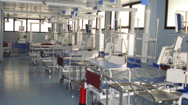 Sant'Anna Hospital Catanzaro, Guido Longo, Luisa Latella, Nino Spirlì, Sergio Abramo, Catanzaro, Cronaca
