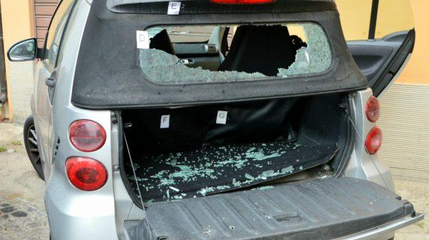 auto, colpi di pistola, mili san marco, Messina, Cronaca