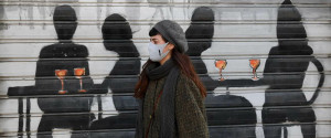 Coronavirus, l'Italia vira verso la zona arancione scuro o rossa