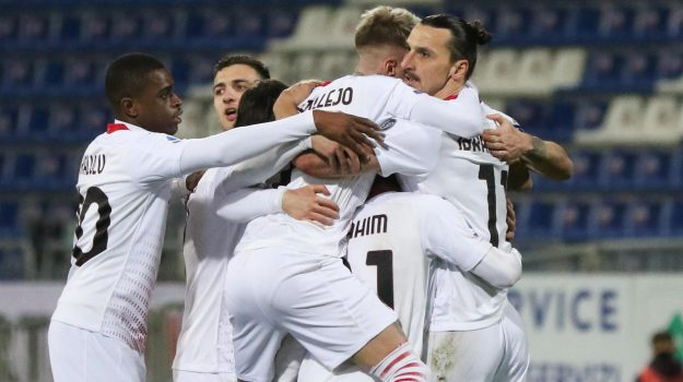 Milan's Zlatan Ibrahimovic jubilates with his teammates after scoring the goal 0-2 during the Italian Serie A soccer match Cagliari Calcio vs AC Milan at Sardegna Arena stadium in Cagliari, Sardinia island, Italy, 18 January 2021 ANSA/FABIO MURRU