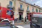 Messina, l'allarme di un passante: in fiamme il ristorante La Durlindana - VIDEO