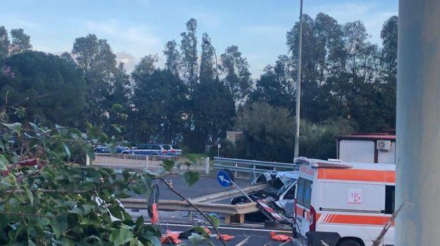 autostrada, barriera tremestieri, incidente, messina, Messina, Cronaca