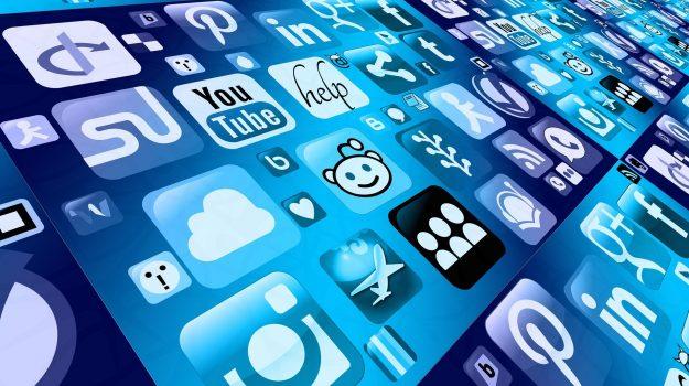 app, facebook, Sicilia, Cronaca