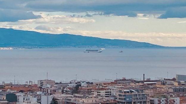 costa victoria, nave crociera, stretto di messina, Messina, Cronaca