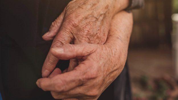 """Lui 98 anni lei 88, sposati da 71: superano """"insieme"""" il Covid"""