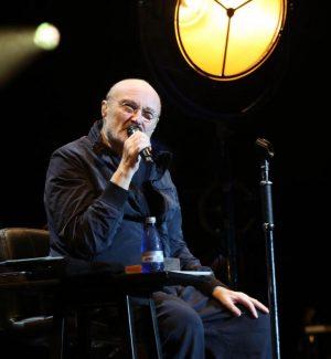 """Phil Collins è malato, """"Non riesco più a suonare la batteria"""""""