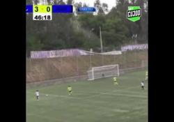 Portogallo, segna con un pallonetto a campanile Un gol dallo strano effetto: è quello segnato da Paula Cristiana, calciatrice del Boavista - Dalla Rete