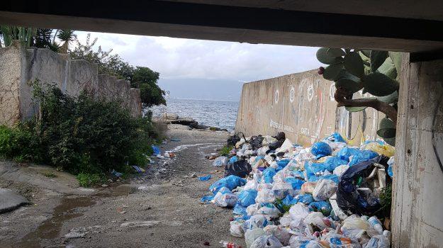 reggio calabria, san gregorio, spazzatura, via strada ferrata, Reggio, Cronaca