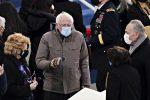 Inauguration Day, i guanti di Sanders spopolano sui social