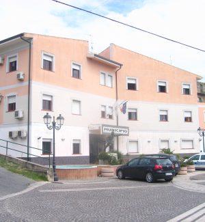 Il municipio di Simeri Crichi