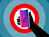 Bimba soffocata, il Garante blocca TikTok: verificare l'età degli utenti