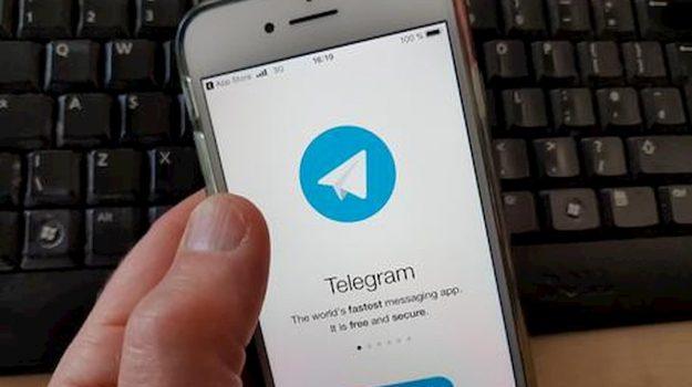 telegram, whatsapp, Sicilia, Società