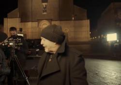 Vasco Rossi, il nuovo video di «Una canzone d'amore buttata via» da piazza Maggiore a Bologna Un palcoscenico speciale per il nuovo singolo di Vasco - Corriere Tv