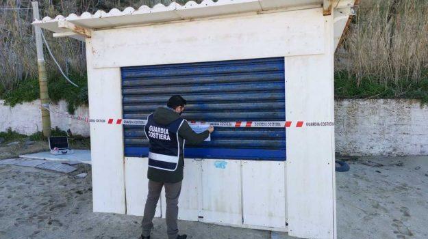 manufatto abusivo, sequestro, Catanzaro, Cronaca