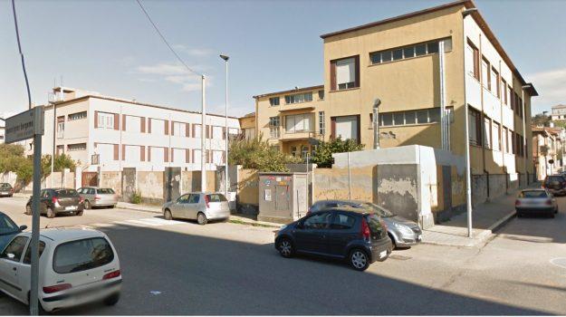 coronavirus, insegnante positiva, scuola media, villa san giovanni, Reggio, Cronaca