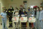 La befana dei Vigili del fuoco nel reparto di Neonatologia dell'ospedale di Vibo Valentia