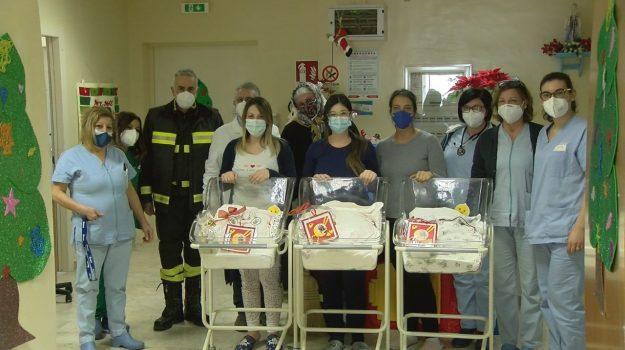 befana, neonatologia, ospedale, pediatria, vibo valentia, vigili del fuoco, Domenico Ferito, Luca Belmonte, Catanzaro, Società