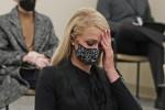 Paris Hilton racconta gli abusi subiti a 17 anni in college