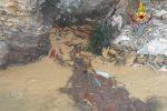 Cimitero crollato a Camogli, i gabbiani fanno scempio dei cadaveri
