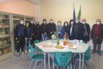 """Cosenza, la Flc Cgil dona libri scolastici all'Istituto tecnico """"Marconi"""""""