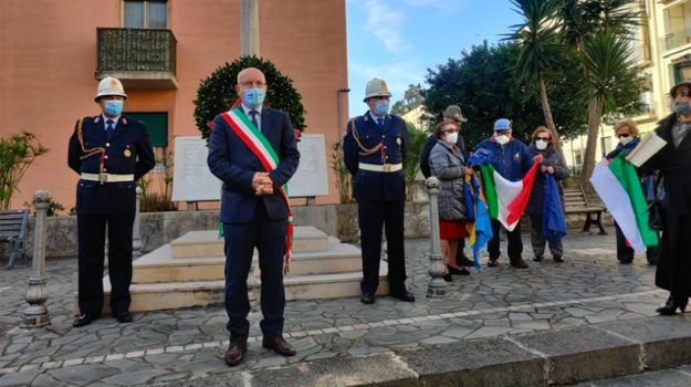 Messina, Società