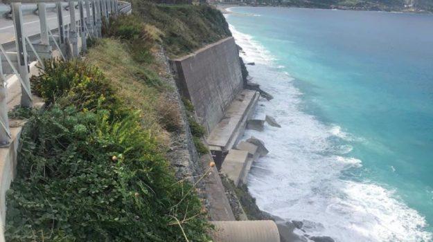 capo schino, frana, gioisa marea, Messina, Cronaca